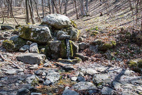 Backpack Nerd - Змейският извор Живата вода край село Боснек